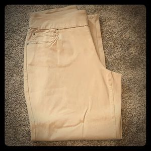 White stag pants